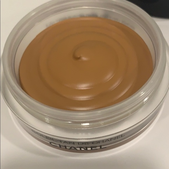 CHANEL Other - Chanel bronzing Make-up base